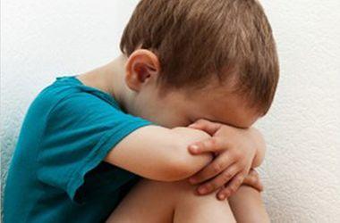 В Харьковской области пьяный отец избил 7-летнего сына костылем по голове
