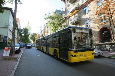 В Киеве продлят работу автобуса на Лесном массиве
