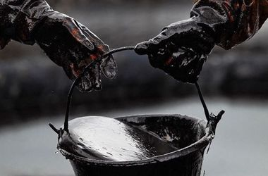 Цены на нефть ускорили падение в ожидании заседания ОПЕК