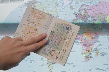 Украинцам станет проще попасть в еще две страны Европы