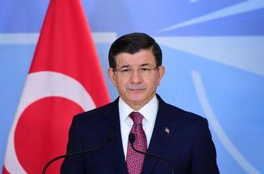 Премьер-министр Турции посоветовал Путину успокоиться