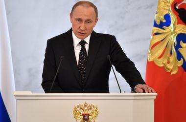 """Почему Путин """"забыл"""" об Украине: анализ ежегодного """"послания"""" президента России"""