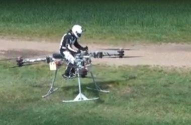 В Дубае показали первый в мире летающий мотоцикл