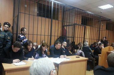 """Подсудимый по делу о трагедии """"2 мая"""" вскрыл вены в зале суда"""
