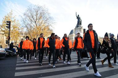 """Футболисты """"Шахтера"""" почтили память жертв терактов в Париже"""