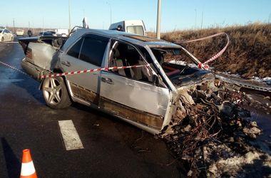 Жуткое ДТП с полицейским в Харькове: один человек погиб, 5 оказались в больнице