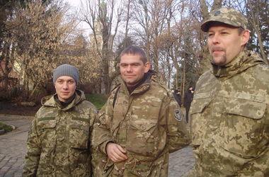 Во Львове военные пикетировали ОГА: не могут получить денег и обещанных земельных участков