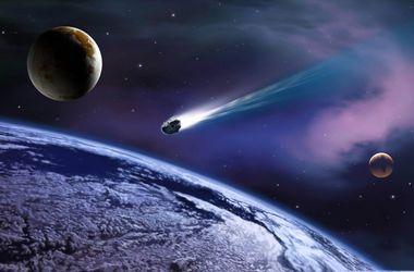 К Земле летит необычная комета