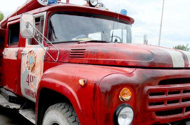 В Киеве загорелась заправка, пожар тушили 68 спасателей