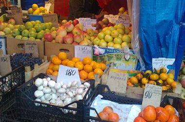Шокирующие цены в Донецке: яблоки и яйца за 30 гривен, а сыр – по 200