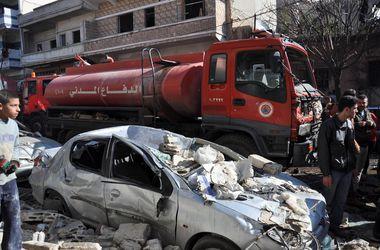 """Заминированный автомобиль """"взлетел"""" у больницы в сирийском Хомсе"""
