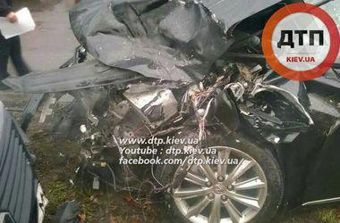 """Из-за аварии под """"Борисполем"""" пассажирам пришлось идти к аэропорту пешком"""