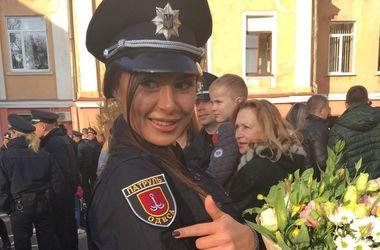 Одессу патрулирует победительница конкурса красоты