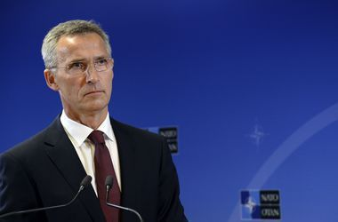 НАТО направит корабли и самолеты в Турцию