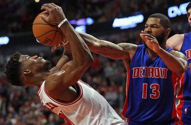 """""""Чикаго Буллз"""" и """"Детройт"""" сыграли четыре овертайма в матче НБА"""