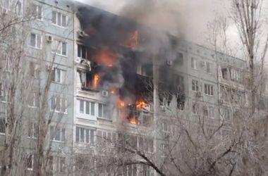 В Волгограде после серии взрывов обрушился подъезд жилого дома