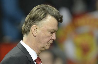 """Луи ван Гал заявил, что не подаст в отставку, потому что футболисты """"бьются за него"""""""