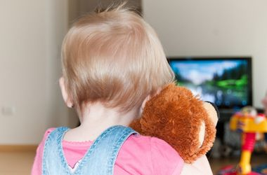 В Винницкой области телевизор убил годовалую девочку