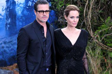 Сын Джоли и Питта получил серьезную травму на каникулах в Таиланде