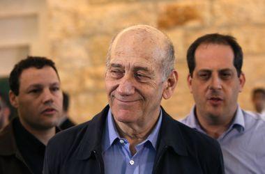 Экс-премьер Израиля отсидит полтора года за взяточничество