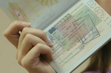 Украина отвечает всем требованиям безвизового режима с ЕС - Яценюк