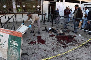 Кровавый теракт в Пакистане: 12 человек убиты, 25 ранены