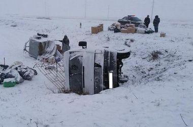Под Харьковом перевернулся микроавтобус: есть жертвы