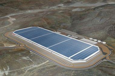 В Сеть попали первые снимки с места строительства гигантской фабрики Tesla