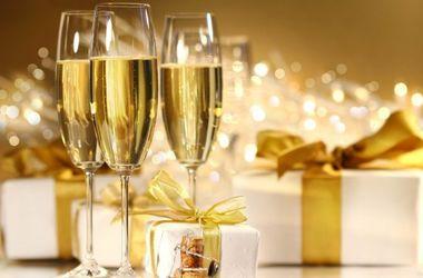 Ученые рассказали об опасности бокалов для шампанского