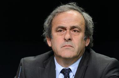 ФИФА может наказать Платини за участие в церемонии вручения наград Globe Soccer Awards