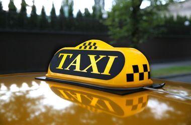 В Мариуполе пьяные мужчины чуть не убили таксиста, который отказался везти их к боевикам