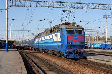 В Крыму пассажирский поезд, направлявшийся в Москву, протаранил автомобиль