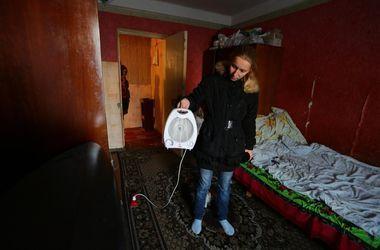 Жители Донецка замерзают в своих квартирах
