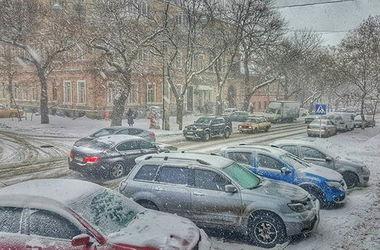 Снегопад в Одессе: транспортный коллапс и ледяной шторм