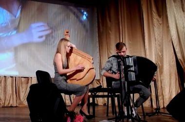 Видеохит: удивительное исполнение украинцами известного хита на бандуре и баяне