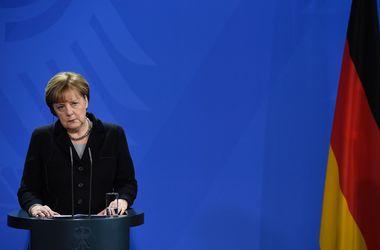 Шенгенская система сможет работать, только если будет общая ответственность за прием беженцев – Меркель