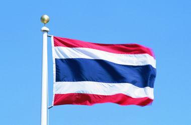 В Таиланде грузовик протаранил пассажирский поезд: есть жертвы
