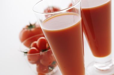 Зачем взрослым мужчинам пить томатный сок