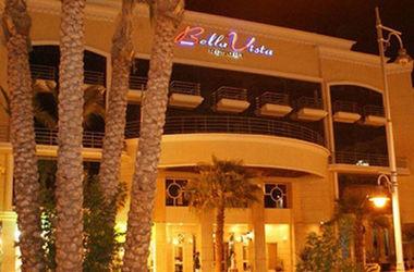 Трое туристов погибли при нападении на отель в Хургаде