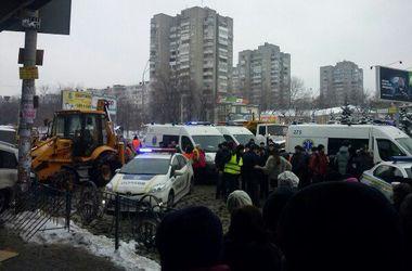 В Сети появились фото с места смертельного ДТП в Киеве