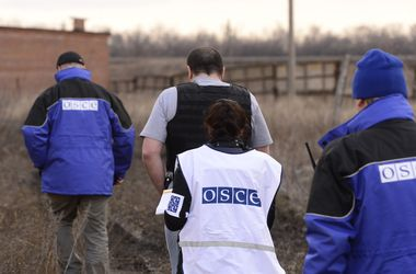 Наблюдатели ОБСЕ зафиксировали учения боевиков в Донбассе