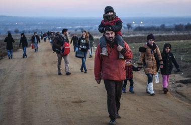 Власти Германии ждут новой сокрушительной волны беженцев