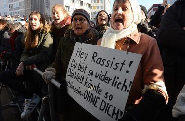 В Германии начали нападать на беженцев