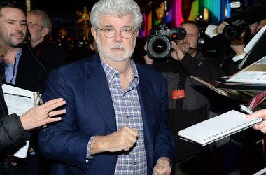 """Фанаты умоляют Джорджа Лукаса заняться новыми """"Звездными войнами"""""""