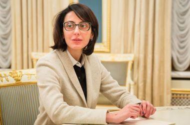 Глава Нацполиции Деканоидзе обвинила Генпрокуратуру во лжи