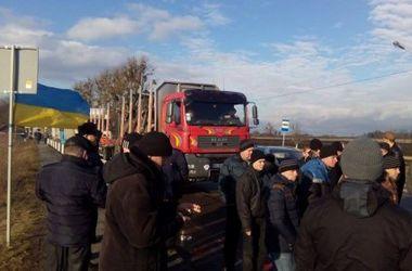 Львовские шахтеры продолжают забастовку: у международной трассы растут  палатки