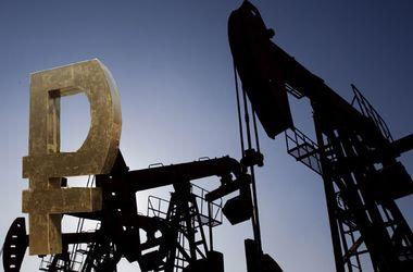 Рубль и нефть продолжают синхронное падение