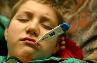 Киевские врачи рассказали, как вести себя при признаках гриппа