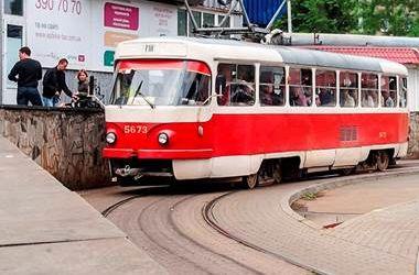 В Киеве на день изменят работу нескольких маршрутов трамваев и троллейбусов