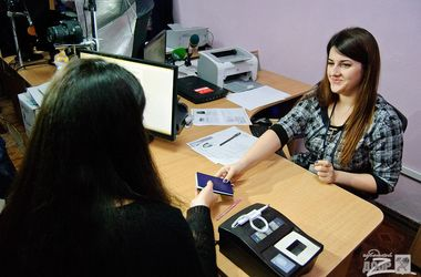 Новые паспорта: в Харькове ID-карты оформляют за 20 минут, ажиотажа нет